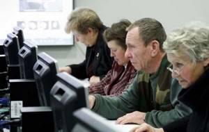 Можно ли пользоваться льготами Ветерана труда до наступления пенсионного возраста — Юридические советы