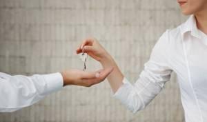 Живу с гражданским мужем. Вправе ли его бывшая супруга выселить меня? — Юридические советы
